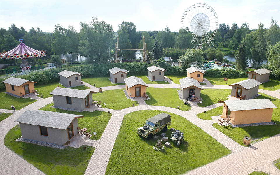 Abenteuer-Lodges in zentraler Lage im Park